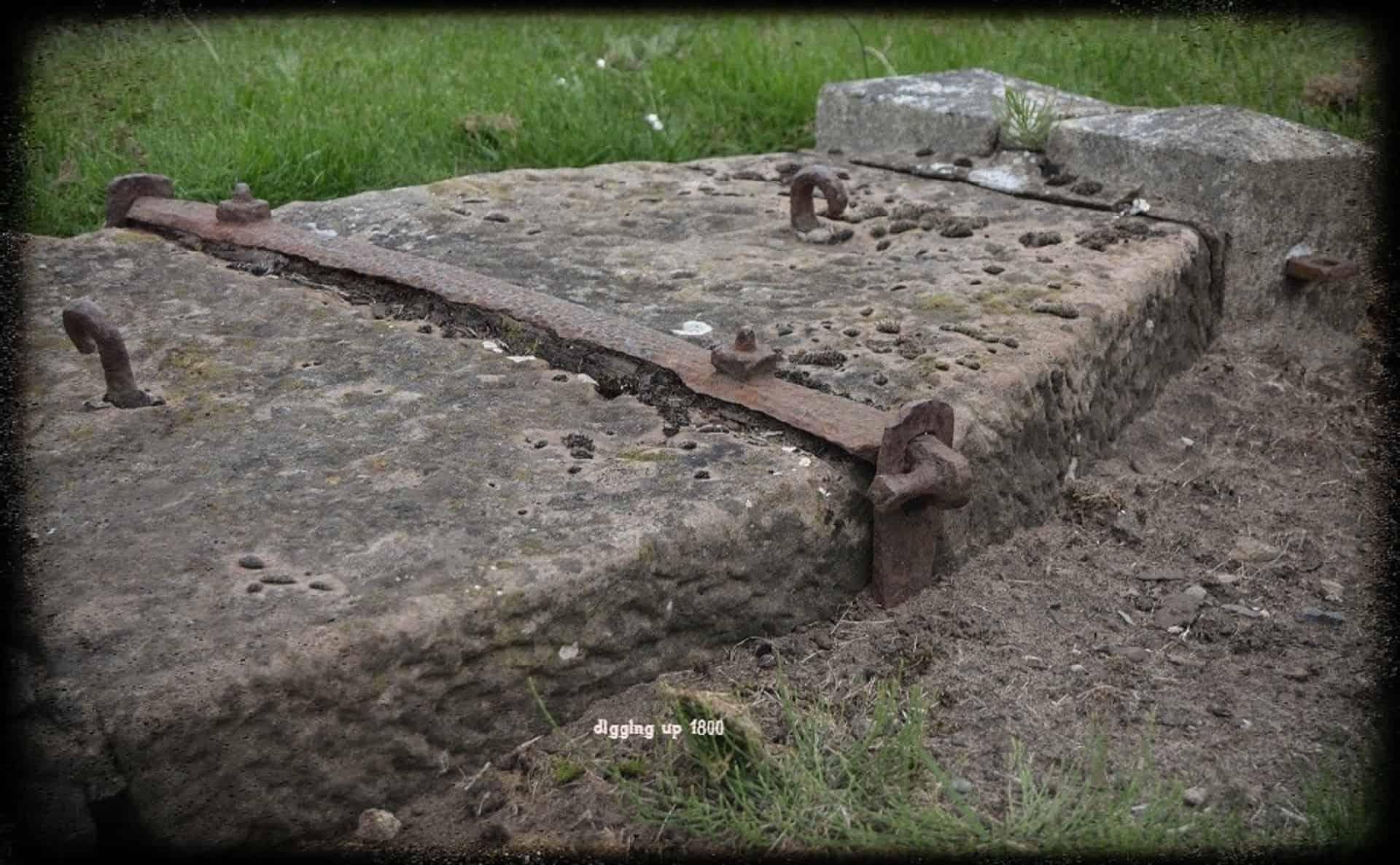 Mortstone at St Nicholas Church, Preswick, Argyll & Bute