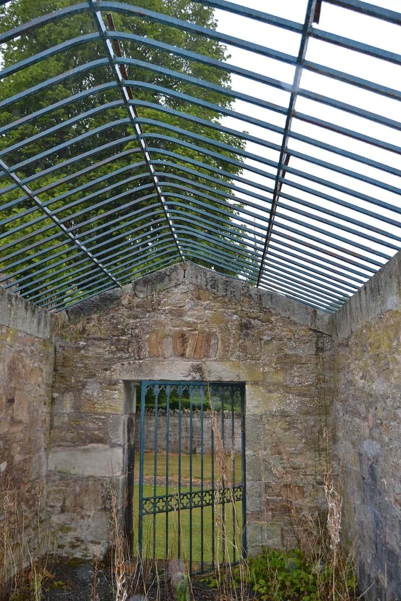 Caged lair Lasswade Old Kirk Midlothian