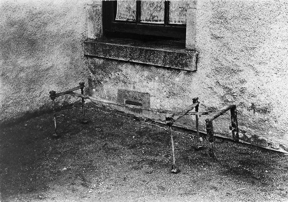 Oyne mortsafe Aberdeenshire via Wellcome Images
